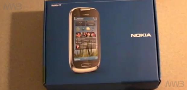 Unboxing Nokia C7