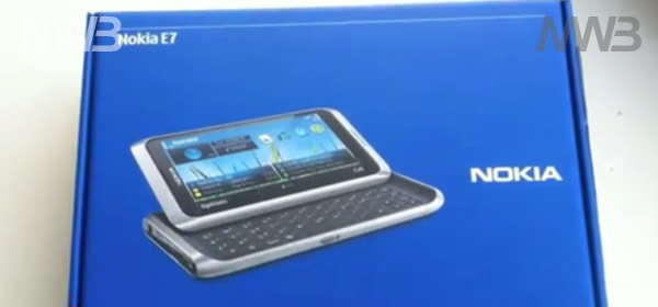 Contenuto scatola Nokia E7