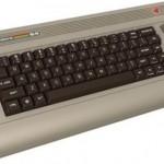 Immagine frontale di un commodore 64, tastiera