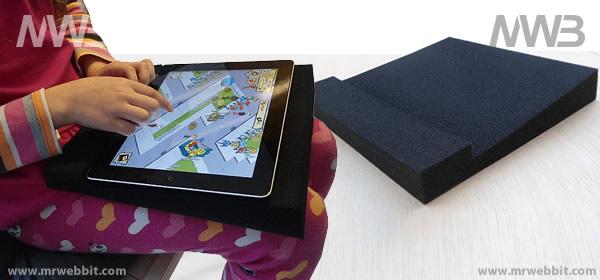 supporto ipad leggero ed economico per bambini seduti