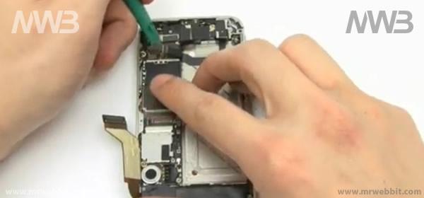smontare per riparare e sostituire altoparlante speaker di iphne 4s o iphone 4