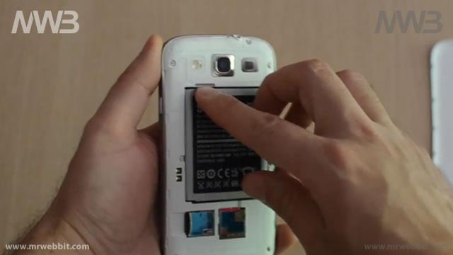 aprire e cambiare correttamente la batteria di samsung galaxy s3