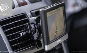 staffa per auto e bocchetta aereazione per navigatore satellitare